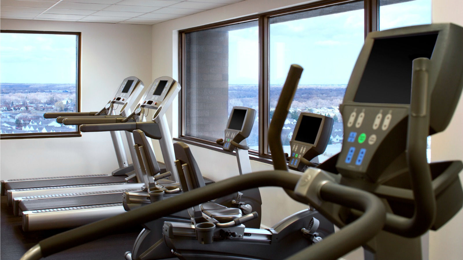 Fitness Center at our Itasca Hotel